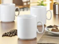 Kaffeebecher und Tassen