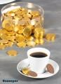 """Schokotaler aus echter Vollmilchschokolade, 180 Stück à 5,2g, Durchmesser je 3,8 cm. Goldfolie mit Motiv: Tasse und """"Danke""""."""