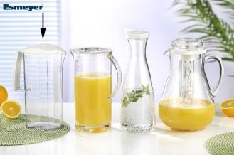 Kühlschrankkanne ARA, Inhalt: 2,0 Liter, Länge: 110 mm, Breite: 80 mm, Höhe: 250 mm, aus transparentem Kunstoff mit weißem Deckel.