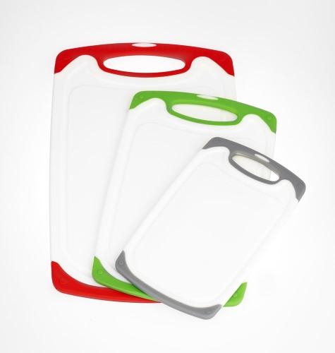 3-teiliges Schneidbrett Set Star aus weißem Kunststoff mit farbigen Rändern, je Größe eine  andere Farbe