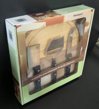 4-tlg. Käse-Zubereitungs-/Servier-Set GOURMET, inkl. rundem Schneidbrett aus Holz, im Geschenkkarton mit Fenster